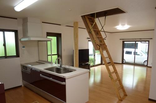 注文住宅屋根裏部屋はしご