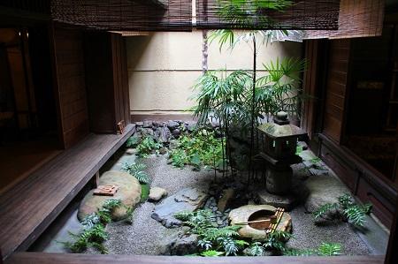 坪庭日本家屋
